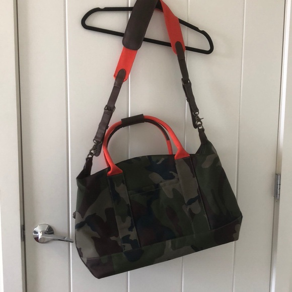 Fantastic Ll Bean Signature Crescent Weekender Bag In Camo Unemploymentrelief Wooden Chair Designs For Living Room Unemploymentrelieforg